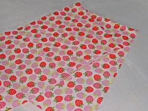 Erdbeer-Stoff für die Außenseite