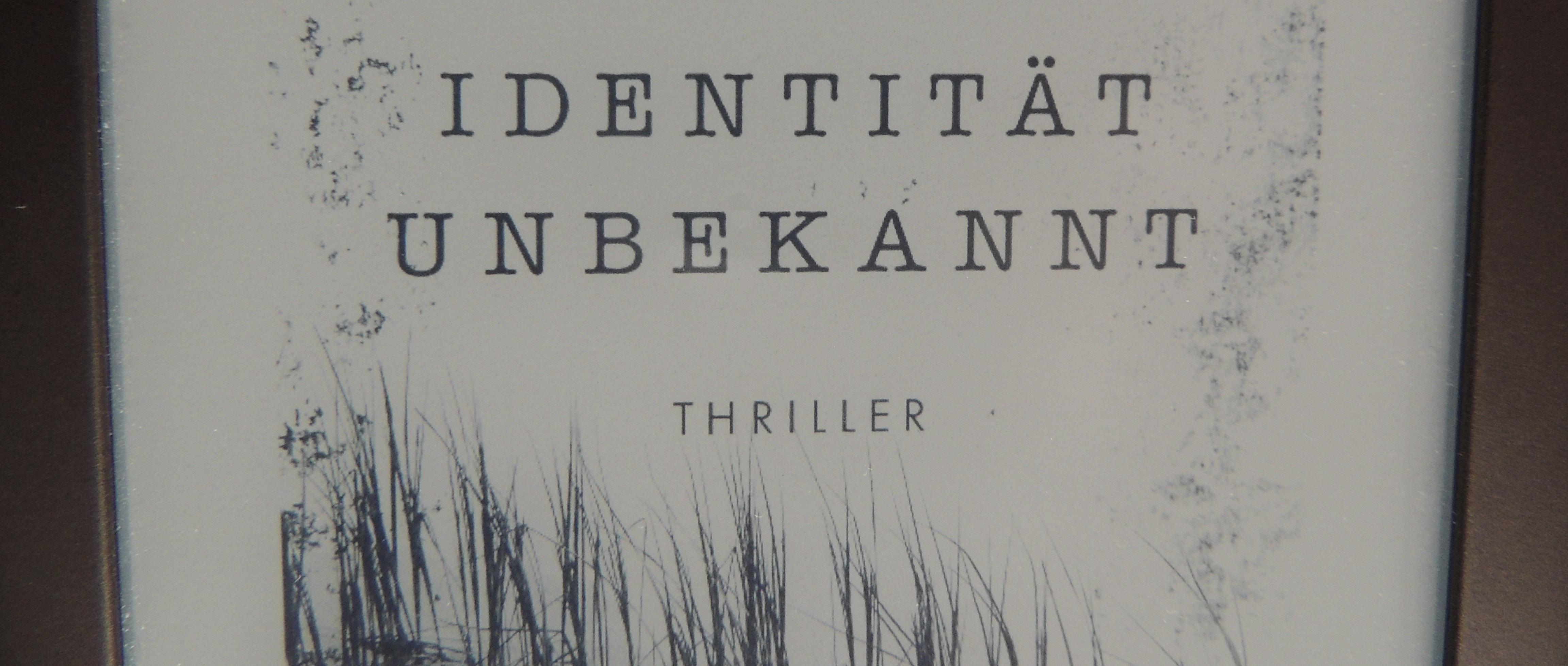 """Rezension: """"Identität unbekannt"""" - Anna Martens, www.talesandmemories.de"""
